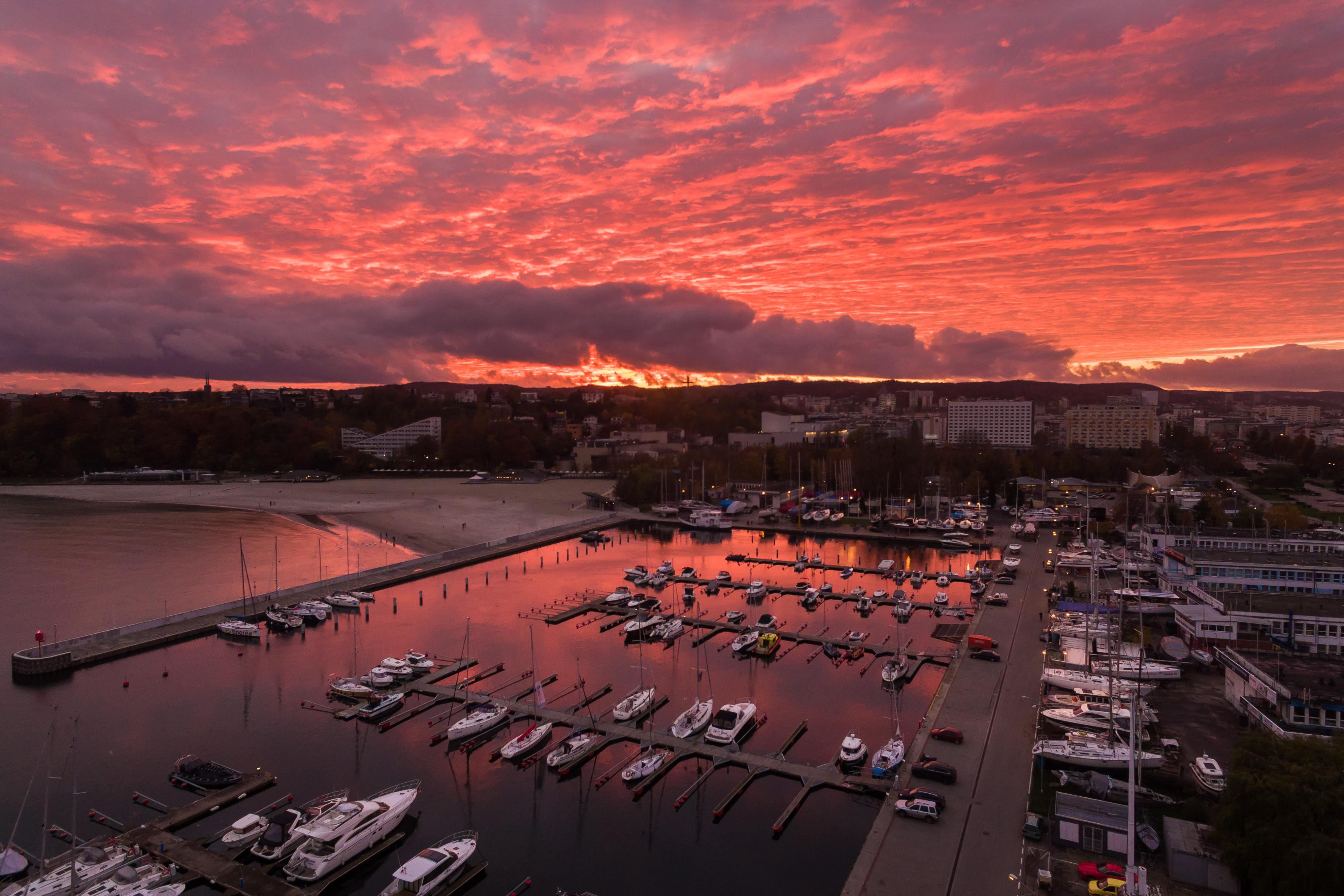 Port w Gdyni zachód słońca